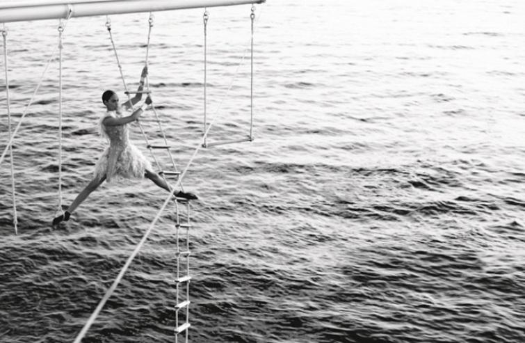 Водная гимнастика для Chanel от Karl Lagerfeld