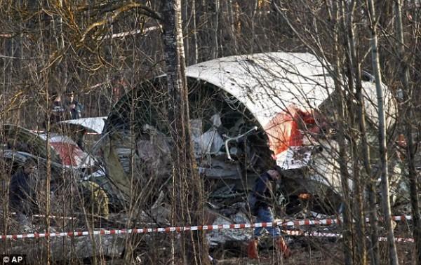 Обломки самолета под Смоленском