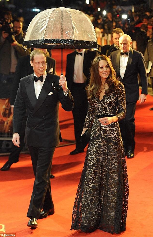 Герцогиня Кембриджская с Принцем Уильямом на премьере фильма о войне в Лондоне
