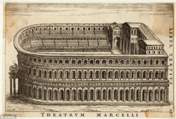 Театр Марцелла был построен в первом веке и напоминал Колизей