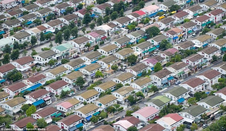 ГОНКОНГ: Унифицированные ряды домов в Yuen Long