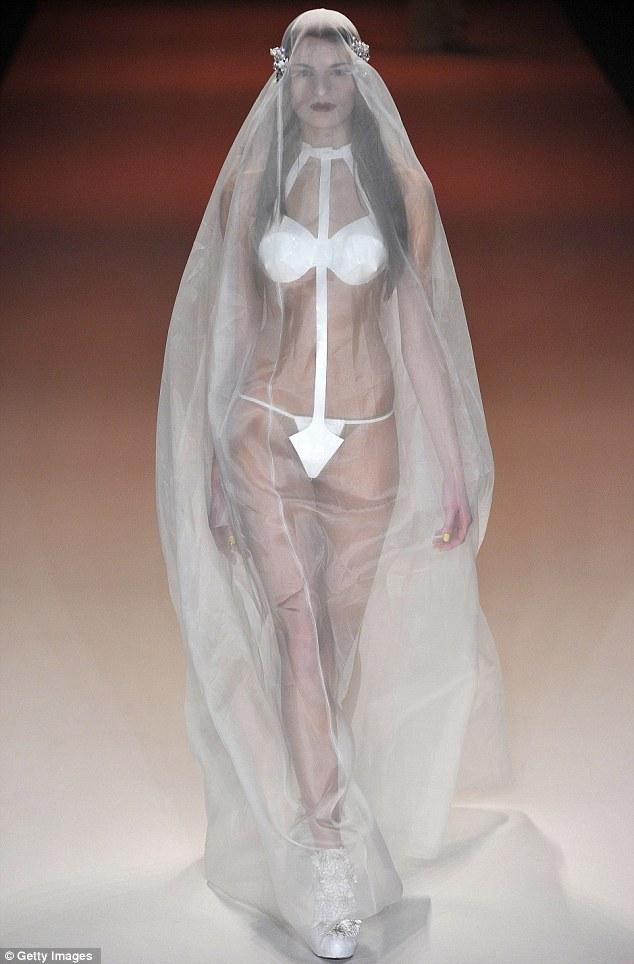 Невероятное свадебное платье от Kaviar Gauche