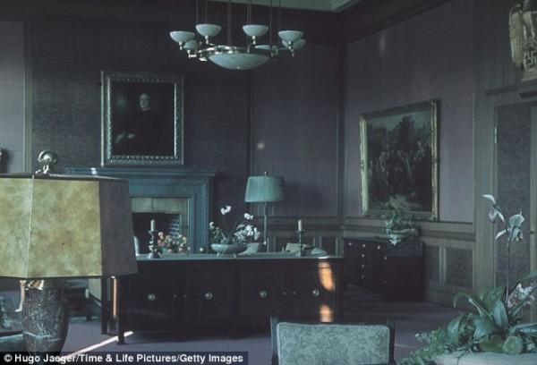 Офис в Мюнхене, 1940 год. Здесь было подписано мюнхенское соглашение с премьер-министром Великобритании Невиллом Чемберленом о отчуждении части Чехословакии в пользу Германии