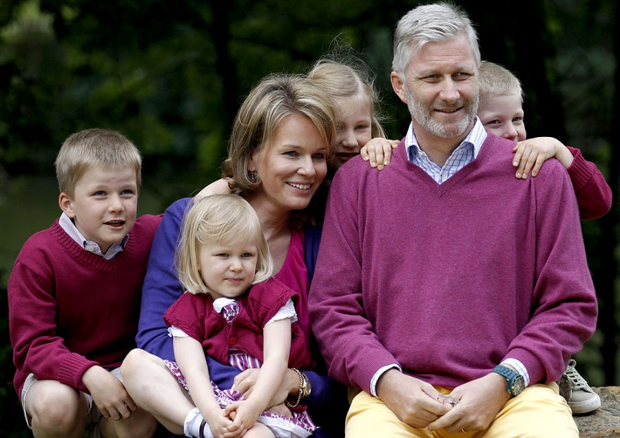 Матильда с детьми и мужем