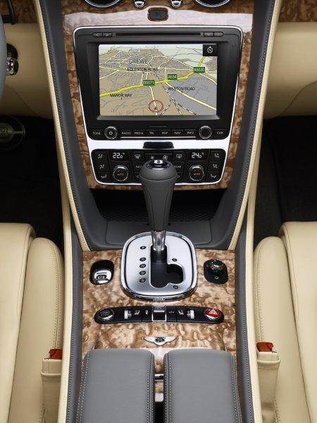 Bentley Continental GTC - навигационная система совместима с Google Maps