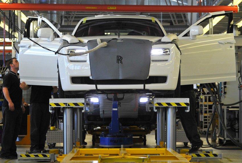 Сборка Rolls-Royce Phantom и Ghost на новом заводе в Гудвуде, на юге Англии в 2011 году