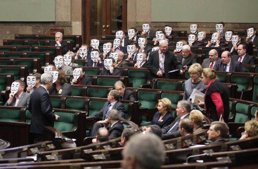 Движение Паликота является третьей по величине партией в Польше