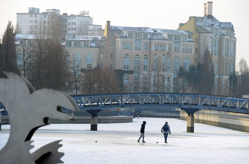 Порт Тегель в Берлине полностью замерз