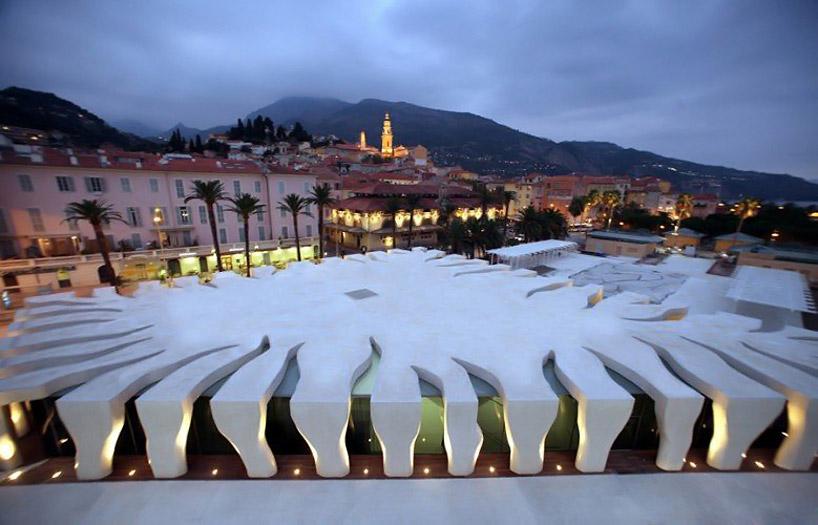 Форма Музея Жана Кокто во французском Ментоне напоминает лист монстеры