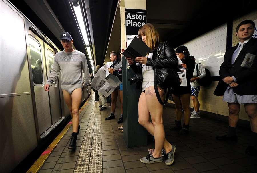 11-ый международный День без штанов, в Нью-Йоркском метро