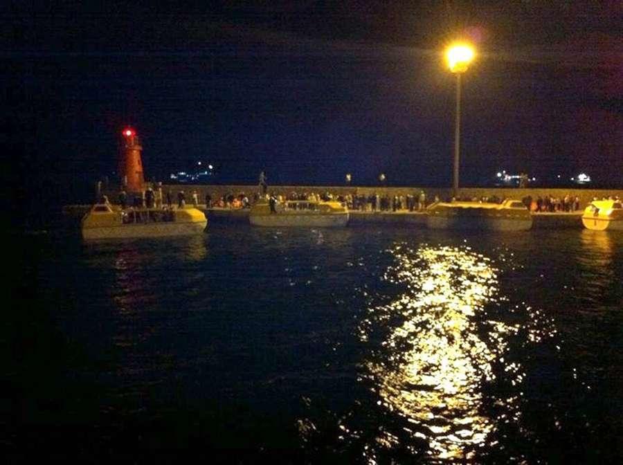 По мнению пассажиров спасатели прибыли слишком поздно
