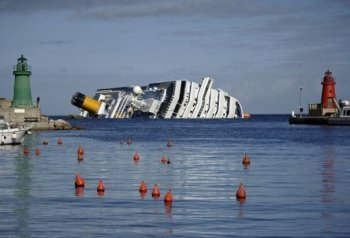 Из баков «Costa Concordia» откачают топливо