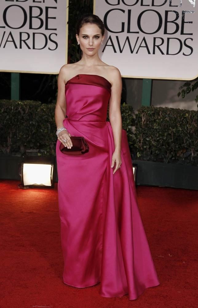 Натали Портман в ярко-розовый платье Lanvin