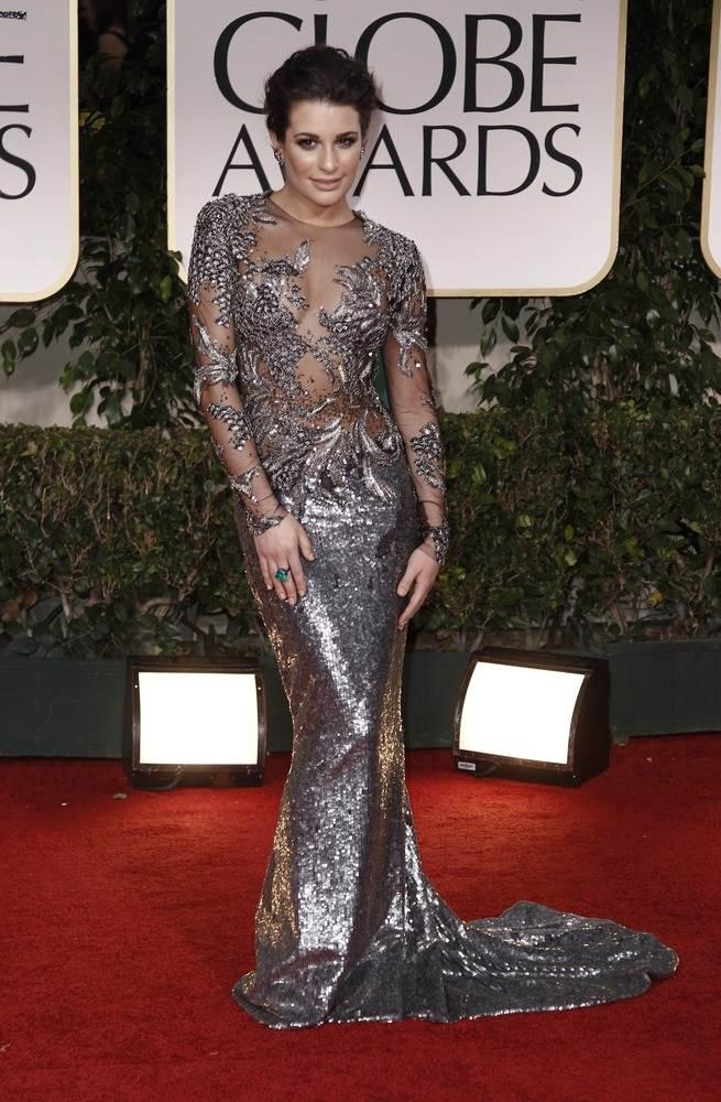 Леа Мишель демонстрировала фигуру в полуоткрытом платье от Marchesa