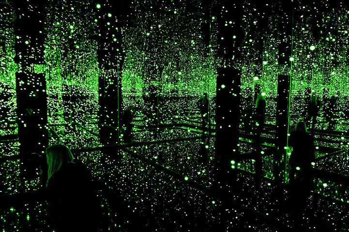 Infinity Mirror Room – Filled with the Brilliance of Life.