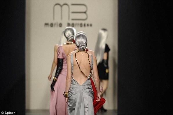 Седые манекенщицы для Коллекции Марии Баррос