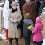 Мальчик подарил пакет с оригинальными конфетами Вертера Принцу Филипу