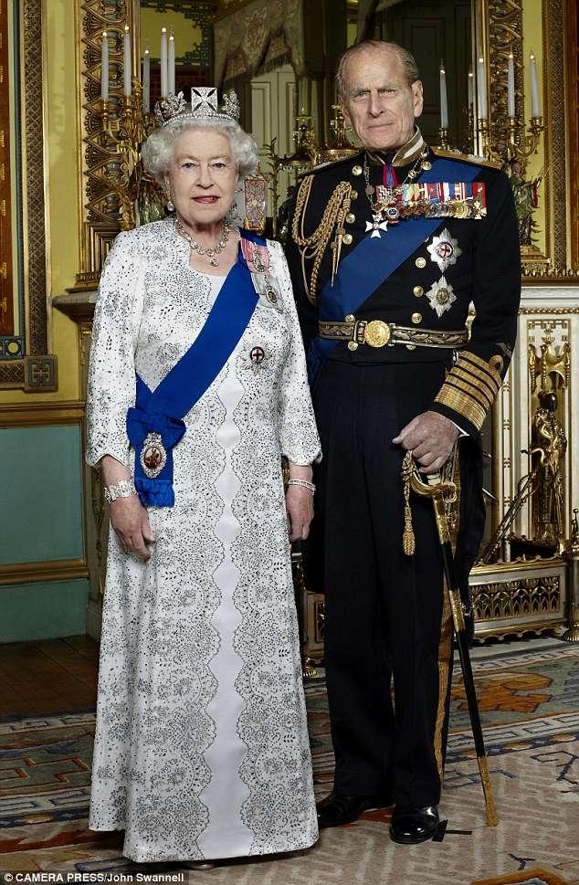 Новый портрет Королевы и Принца Филиппа, сделанный фотографом John Swannell, который был выпущен к 60-й годовщине