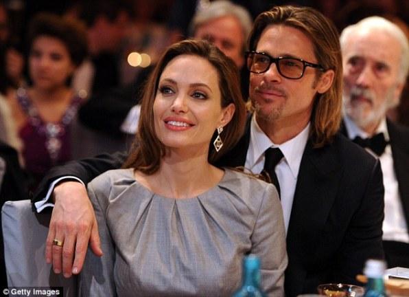 Влюбленная звездная пара Голливуда - Джоли и Питт