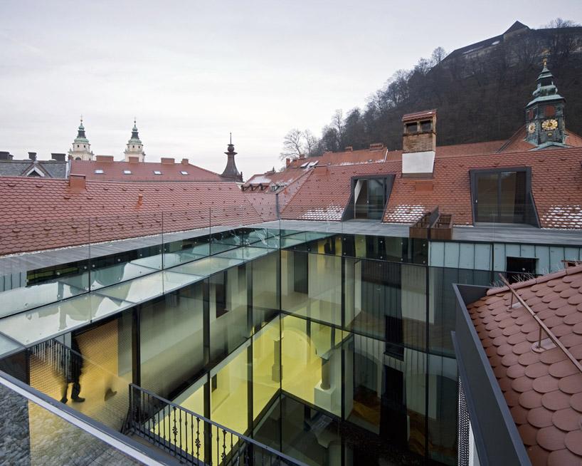 Новые квартиры в стиле барокко в историческом центре Люблян