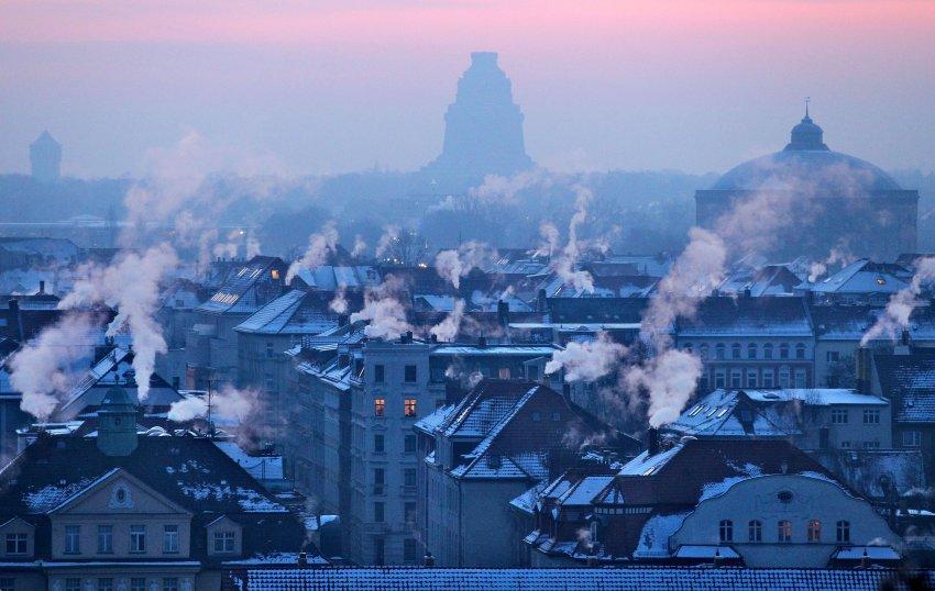 Синий час в понедельник утром в Лейпциге