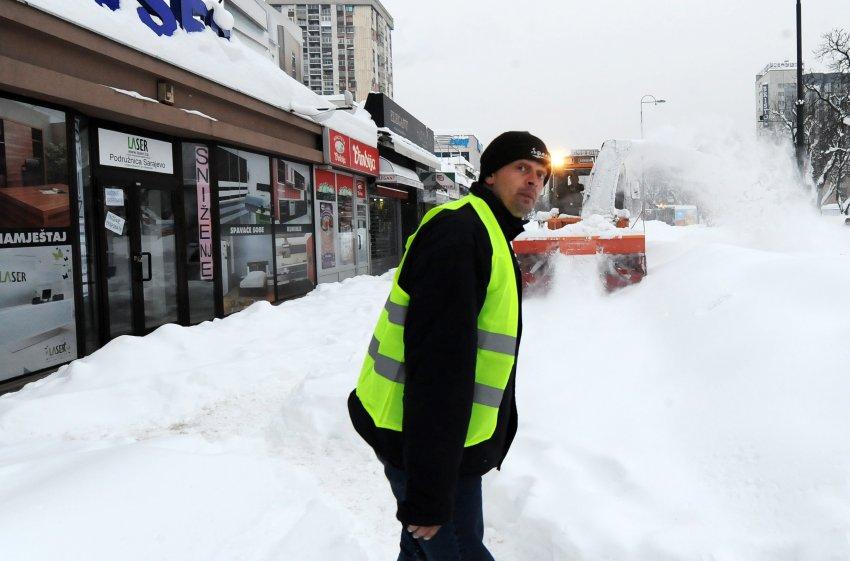Снег в Bosien, на Балканах