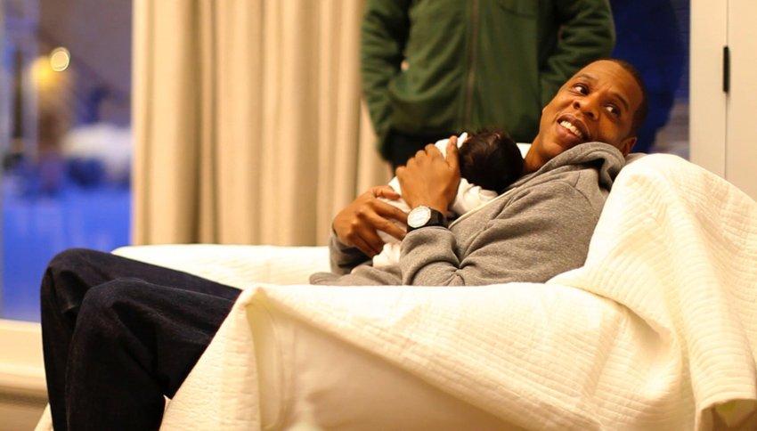 Рэппер Jay-Z  блаженствует со своей дочерью