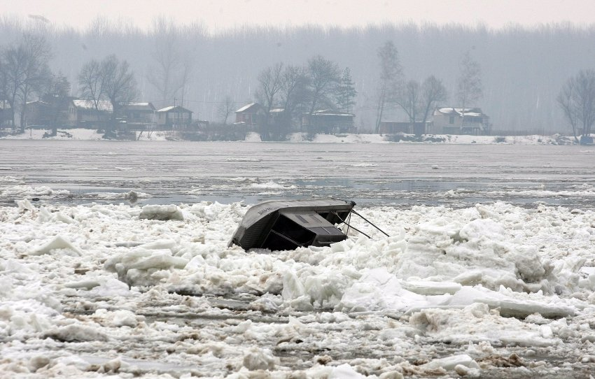 Таяние льда вокруг Белграда