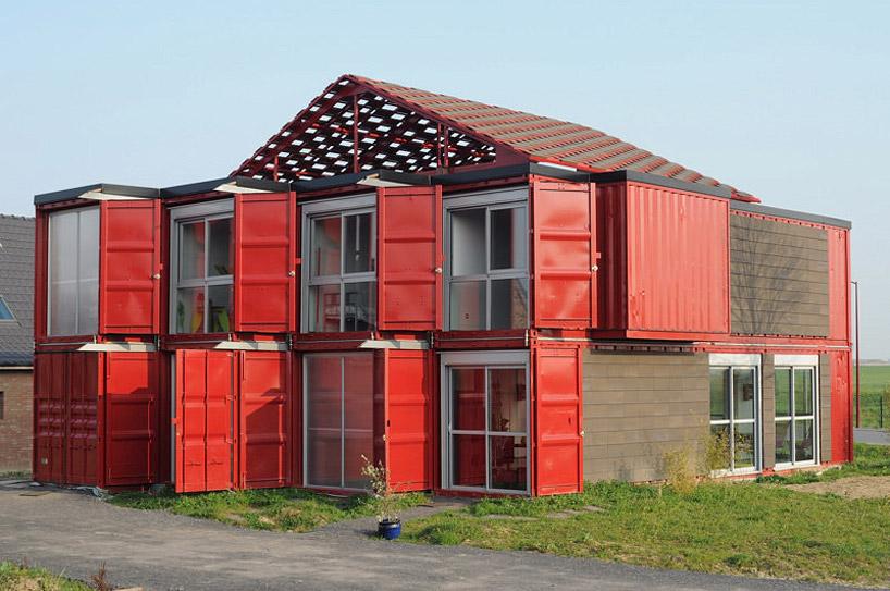 Жилой дом из контейнеров во Франции