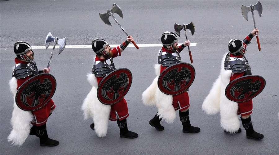 Фестиваль Up Helly Aa на Шетландских островах