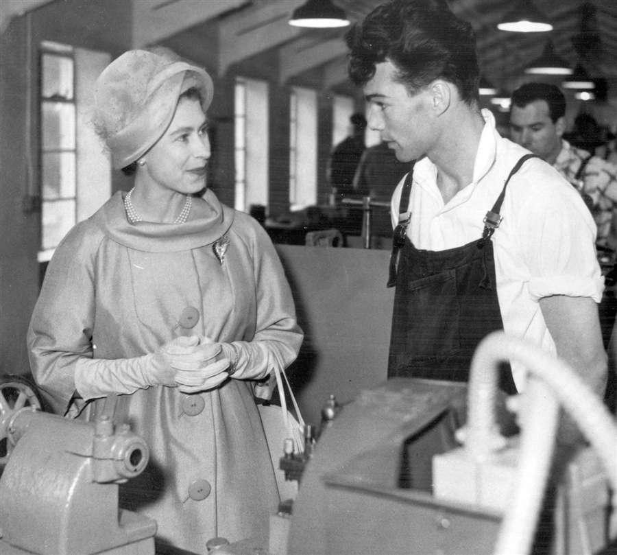 Королева посетила Белфаст, 8 августа 1961 года
