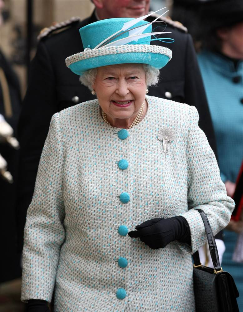 Елизавета II прибыла в Кингс Линн Ратушу для начала празднования ее 60-летнего юбилея, Норфолк 6 февраля 2012 года