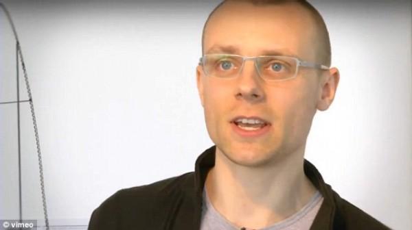 Литовский инженер разработчик Julijonas Urbonas