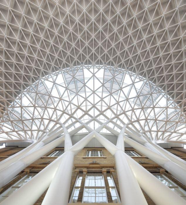 Современный стиль для исторического сооружения