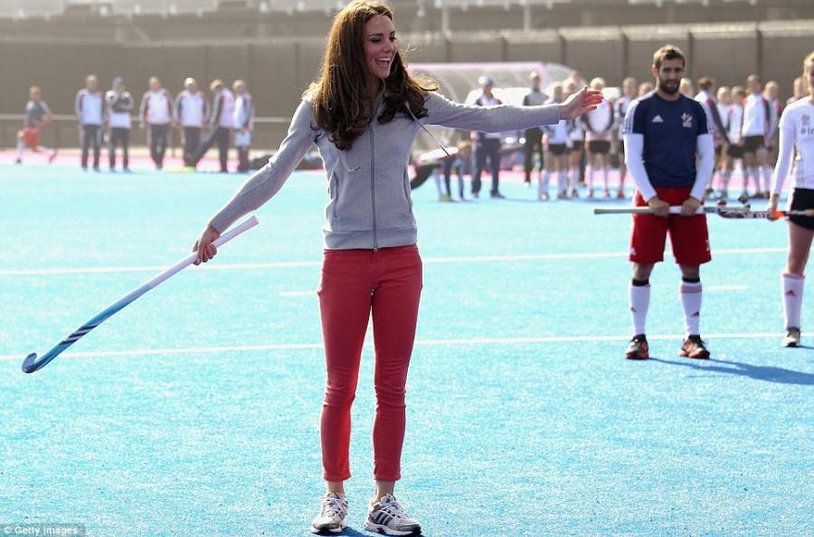 Веселье Кейт на поле