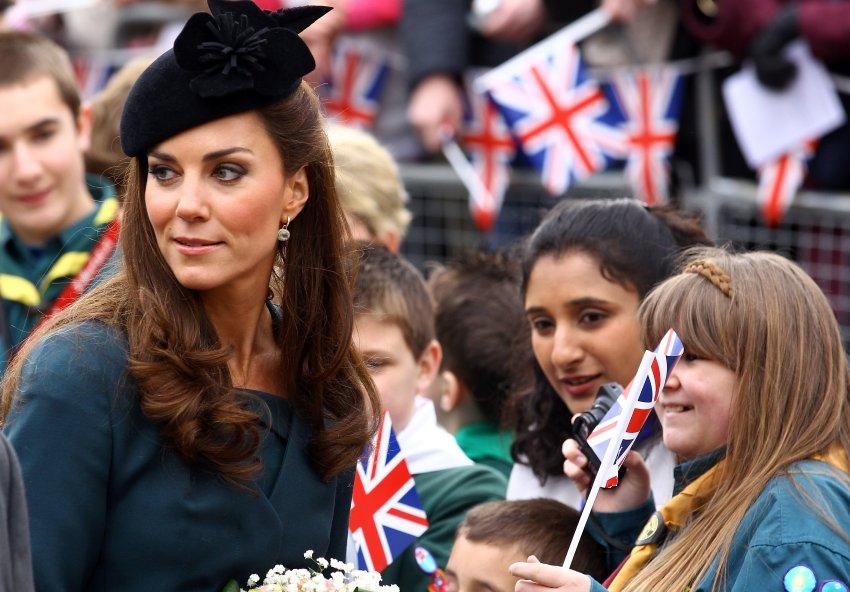 Общение Кейт с благодарными британцами