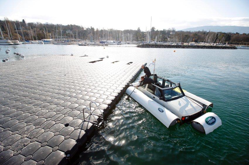 Land-Rover на воде