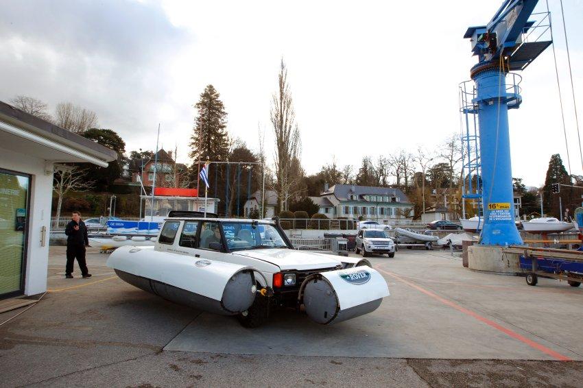 Land-Rover готовится к плаванию