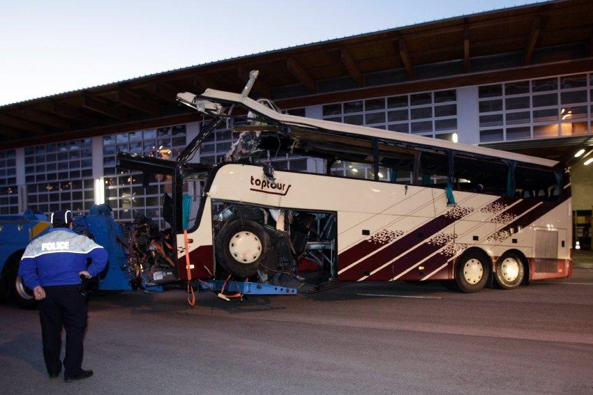 Автобус был оснащен всем необходимым, в том числе и ремнями безопасности