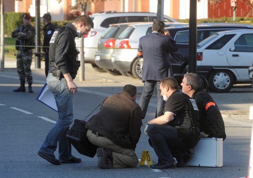 Следователи работают на месте происшествия