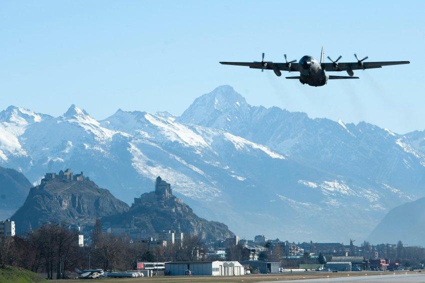 Три транспортных самолета обеспечили перевозку жертв традегии