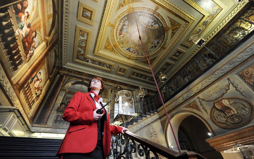 Кенсингтонский дворец был построен в 17 веке