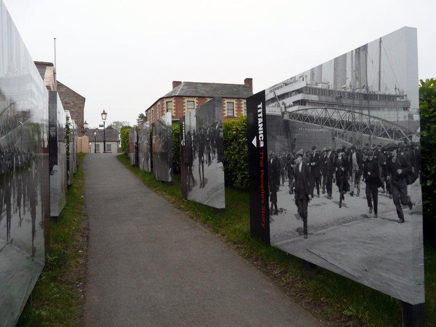 Экспозиция Титаника на улицах Белфаста
