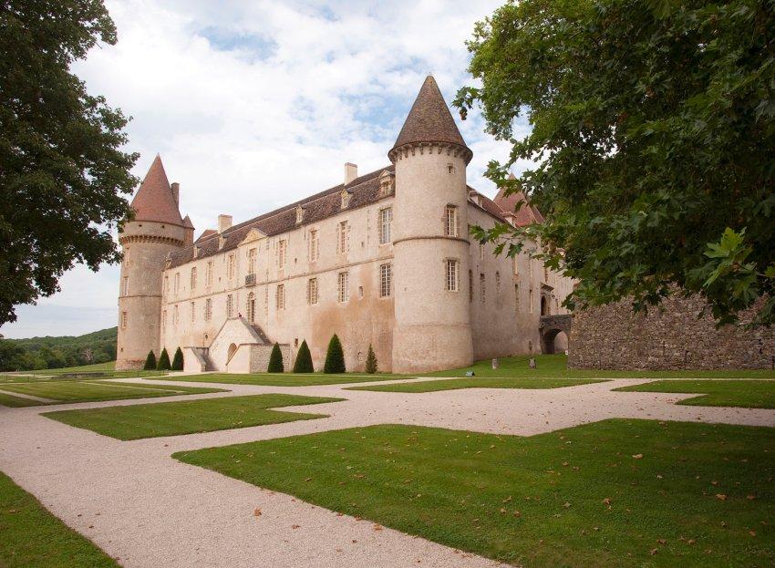 Замок Шато-де-Базокес