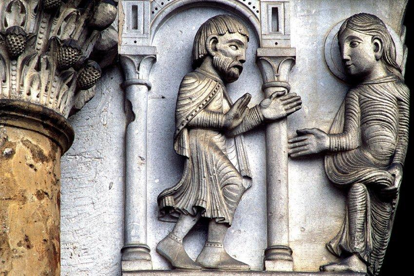 Изысканные украшения церкви