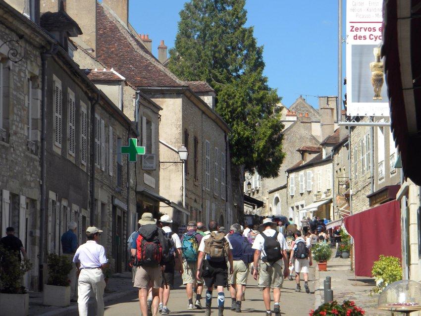 Летом город становится местом паломничества
