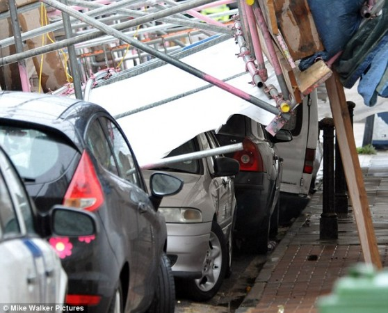 6 автомобилей были раздавлены