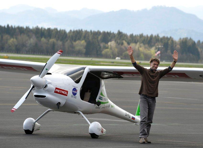 53 летний пилот Matevz Lenarcic