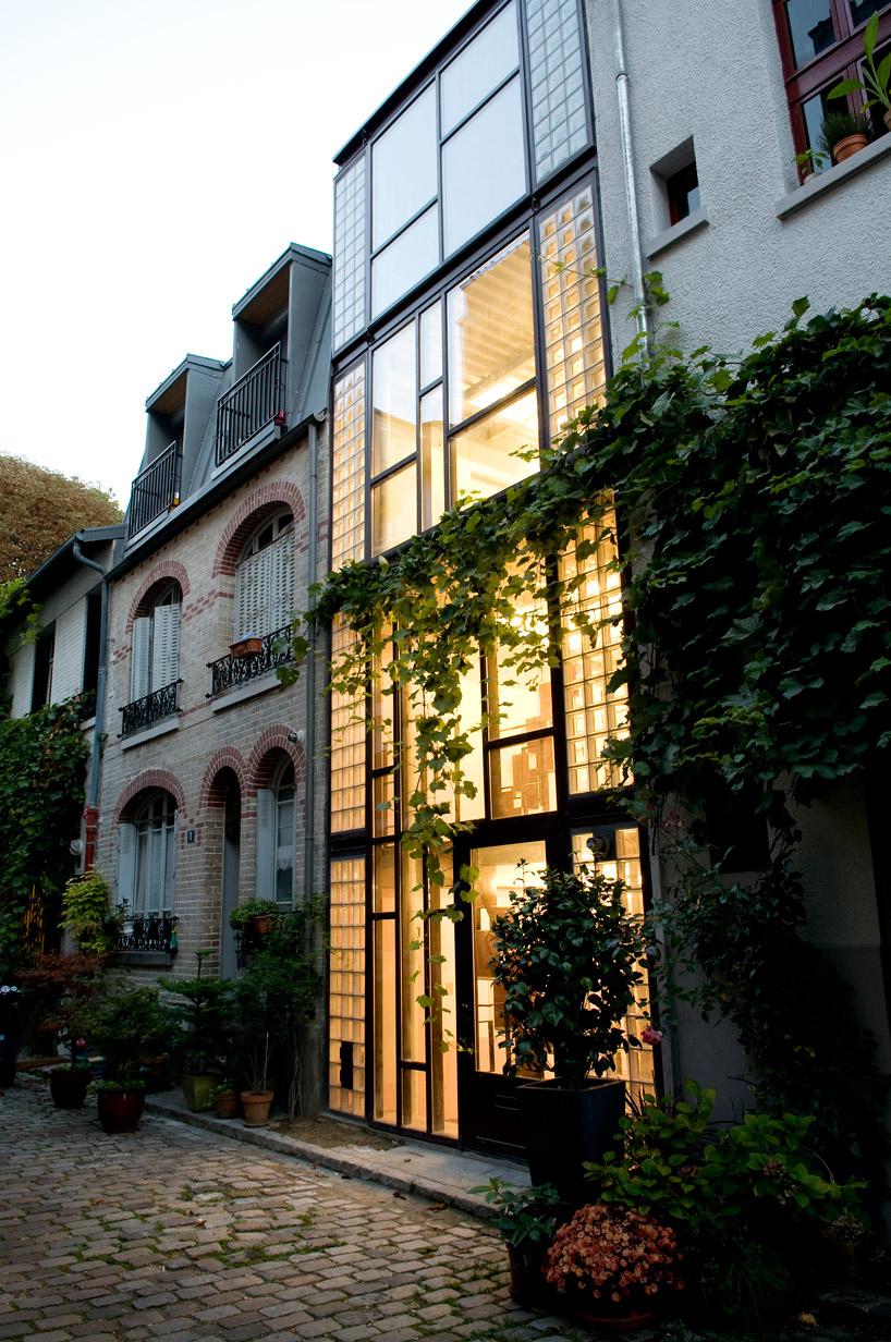 Вертикальный дом в Париже