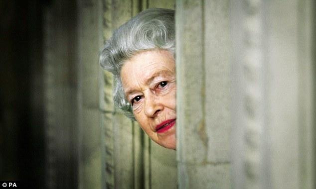 Елизавета II - маленькая женщина с мировым признанием